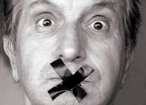 7 Momente, in denen man besser den Mund hält