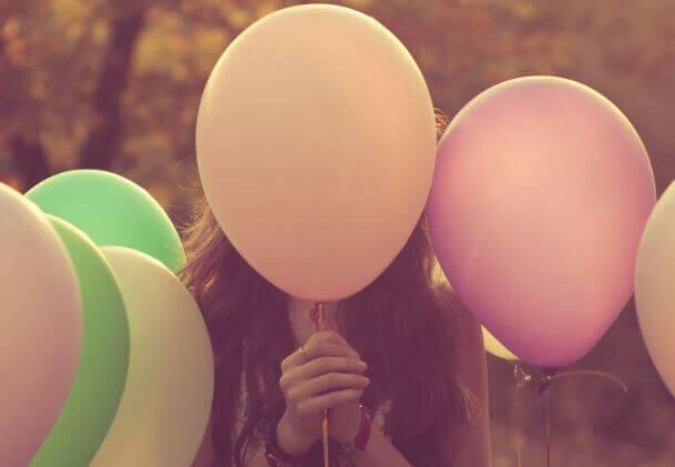 Wir sind ein Luftballon der Gefühle in einer Welt voller Stecknadeln