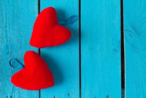 3 Mythen über romantische Liebe