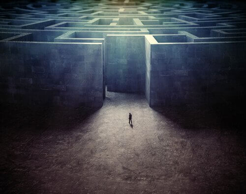 labyrinth_114318994