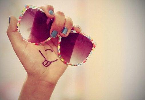 Sonnenbrille mit Smiley