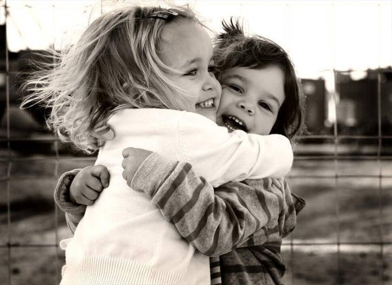Wenn dich Freunde umarmen, dann atmet die Welt mit dir