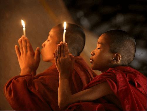 Buddhistische Kinder