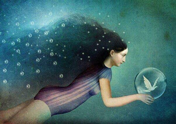 Frau-unter-Wasse-mit-Blase