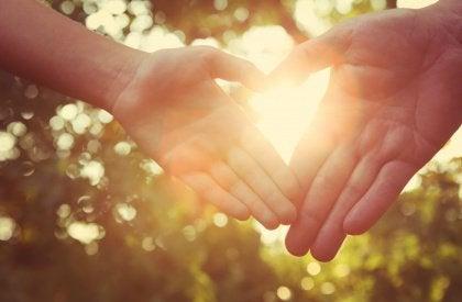Herz mit Hand