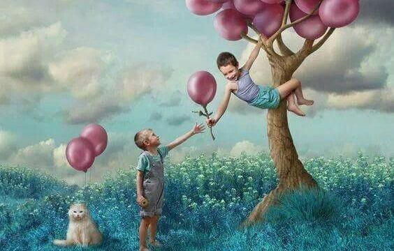 Kinder-mit-Ballons