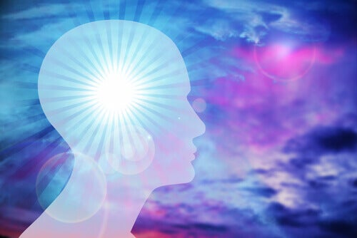 Silhouette-Kopf-leuchtendes-Gehirn