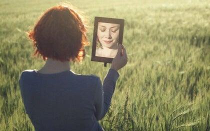 Reflektion-im-Spiegel