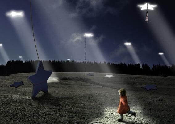 Kind rennt auf Stern zu