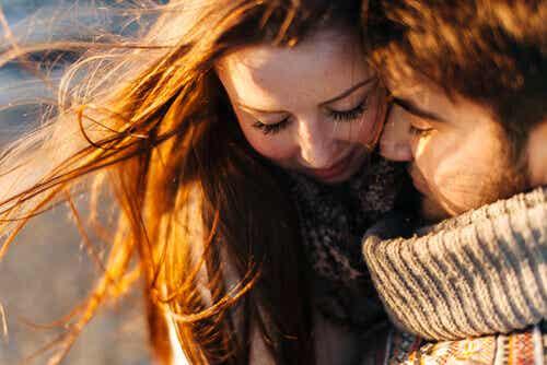 Die Dreieckstheorie der Liebe - wer Liebe gibt, dem wird Liebe widerfahren