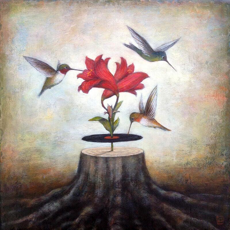 Voegel fliegen um Blume herum