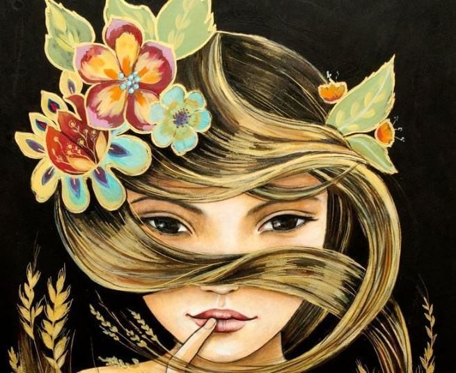 Frau-mit-Blumen-im-Haar