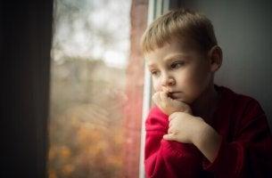 Kontrollzwang der Eltern? - So werden Kinder nicht zu glücklichen Erwachsenen