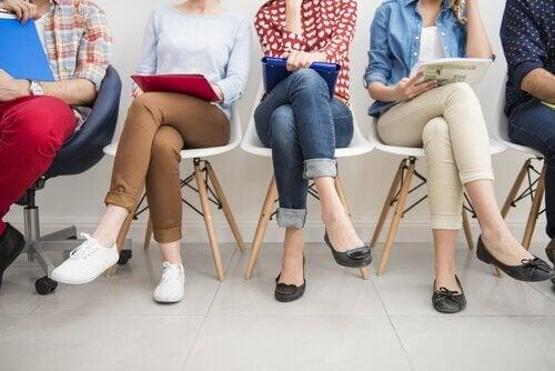 Arbeitslose Frauen auf dem Amt