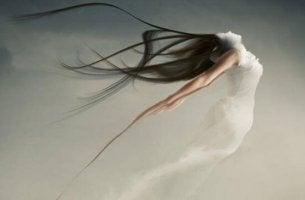 Schweigen als Form der Kommunikation - Frau entflieht der Realität