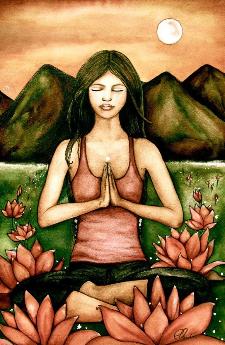 Frau meditiert unter der Sonne
