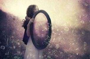 Uns selbst erkennen - Beziehungen funktionieren wie ein Spiegel