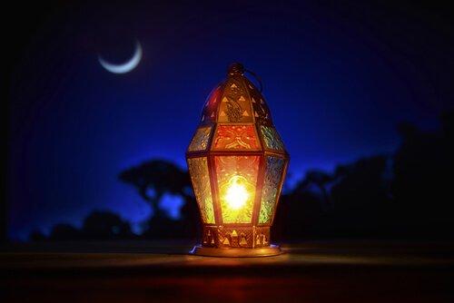 Laterne-im-Mondlicht