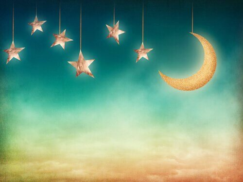 Haengende-Sterne-und-Mond