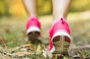 Rosa-Joggingschuhe