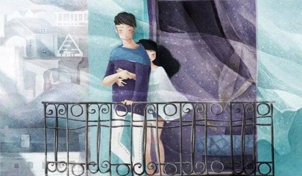 Paar-auf-dem-Balkon