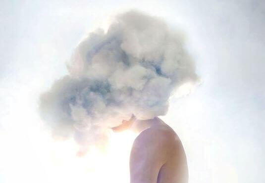 kopf-in-den-wolken