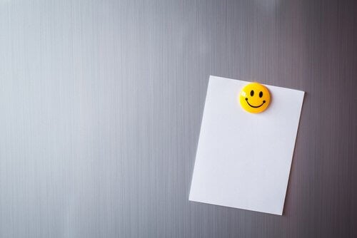 weisses-papier-mit-smiley
