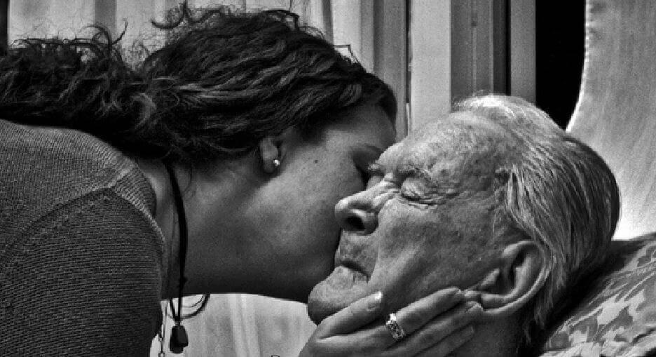 Wir alle werden zu den Eltern unserer Eltern, wenn sie sterben