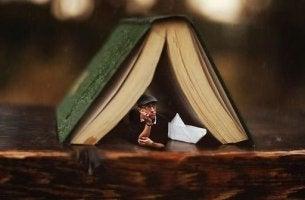 Kindern Geschichten vorlesen - Das regt die Fantasie an und vermittelt Werte