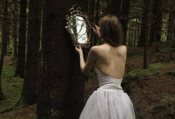 Wenn du auf der Suche nach jemandem bist, der dein Leben verändert, schau in den Spiegel