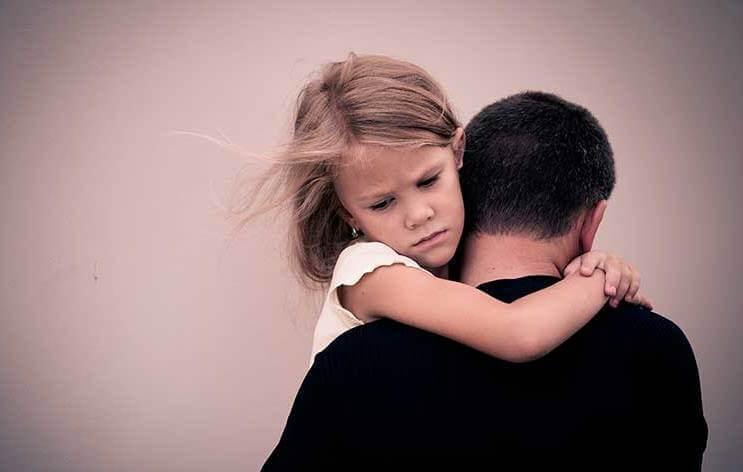 5 emotionale Spuren, die alkoholkranke Eltern bei ihren Kindern hinterlassen