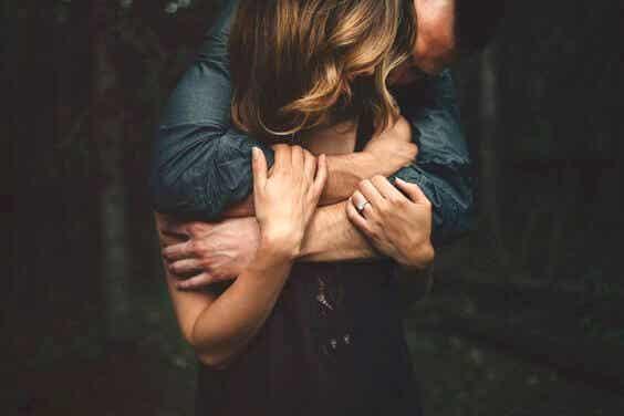 Liebe, wenn du bereit bist, nicht, wenn du einsam bist