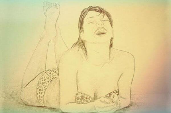 Liebes Mädchen im grünen Badeanzug
