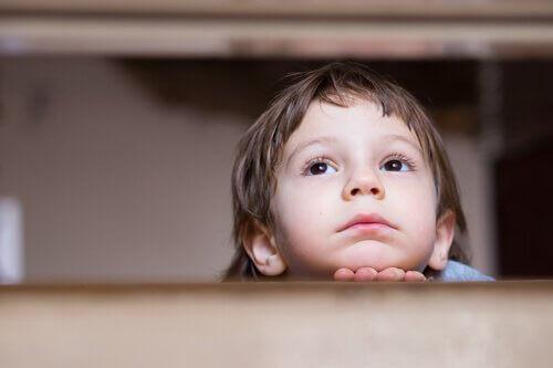 Ständige Klagen und Beschwerden in der Kindheit führen zu Angststörungen im Erwachsenenalter