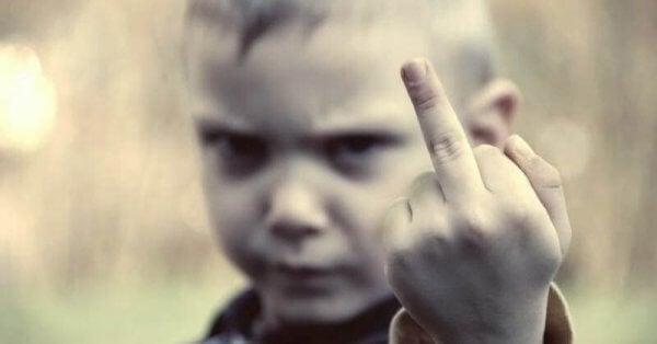 Die 10 Gebote, die dein Kind verderben