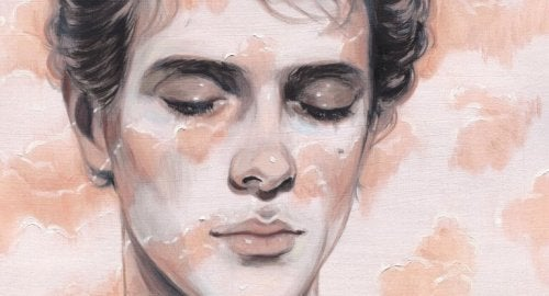 Mann mit geschlossenen Augen denkt an unmögliche Liebe