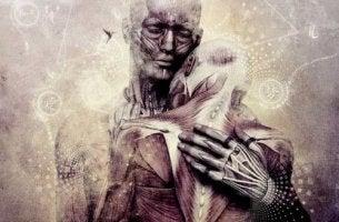 Reife Liebe - zwei alte Menschen, die sich umarmen
