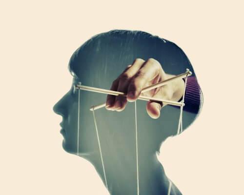 Emotionale Manipulation - Puppenspieler im Kopf