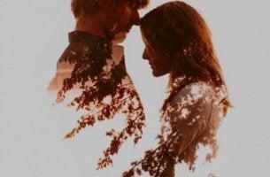 Liebe mich gut - Schatten eines Paares