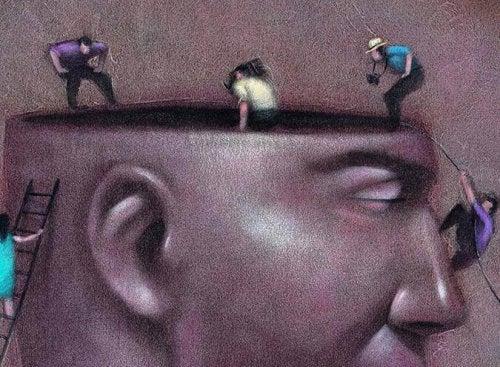 Kopf eines Mannes, in den Menschen hineinschauen