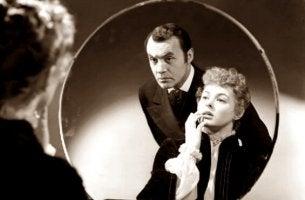 Was ist Gaslighting? - Eine versteckte Form des emotionalen Missbrauchs (George Cukor, 1944)
