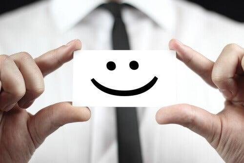 Hände halten Smiley