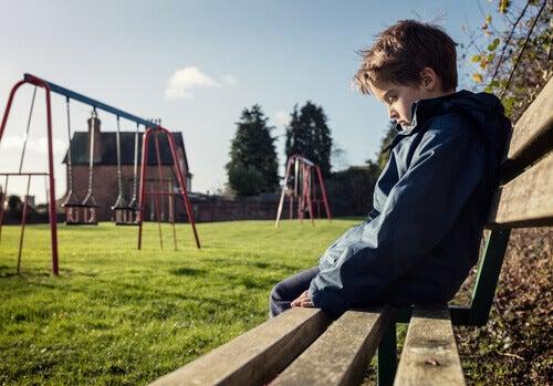 Eine Form von Mobbing, über die niemand spricht: wenn Eltern am Mobbing schuld sind