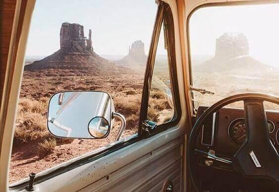 Auto in der Wüste