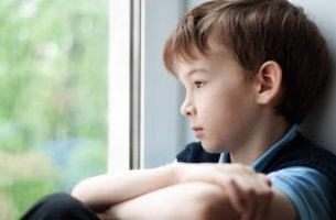 Toxische Eltern machen Kinder traurig und krank.