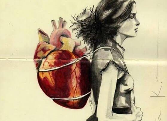 Frau mit Herz im Gepäck