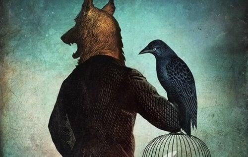 Ein Mann mit Wolfskopf hält einen Vogel