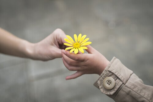 Eine freundliche Geste in Form einer Blume