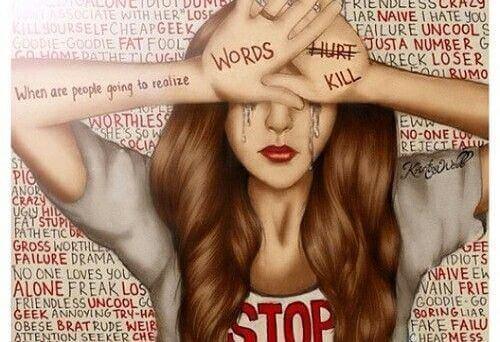 Mädchen, das sich mit Worten wehrt