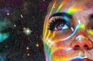 Glücklich sein - Frau schaut in die farbenfrohe acht